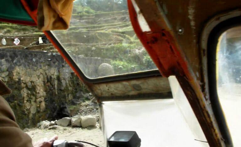 Tuk Tuk Fahrt in den Reisterrassen von Banaue (Philippinen)