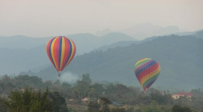 Laos Heisslouftballon Vang Vieng