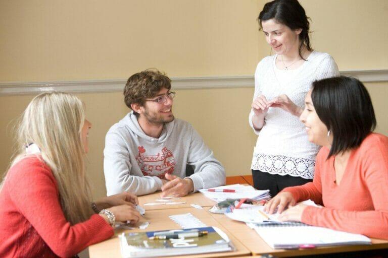 Englische Sprachzertifikate – Cambridge, IELTS und TOEFL