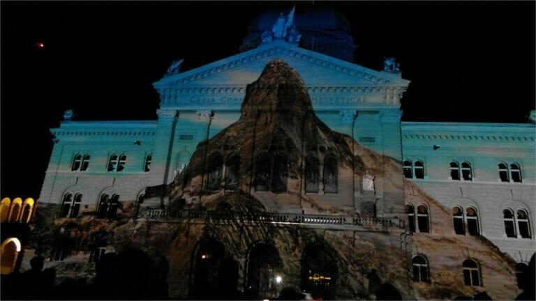 Lichtshow am Schweizer Bundeshaus in Bern