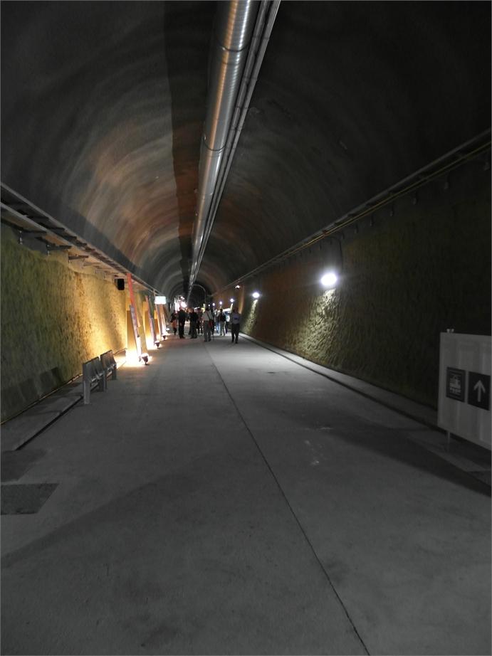 Gotthard Basistunnel 2352