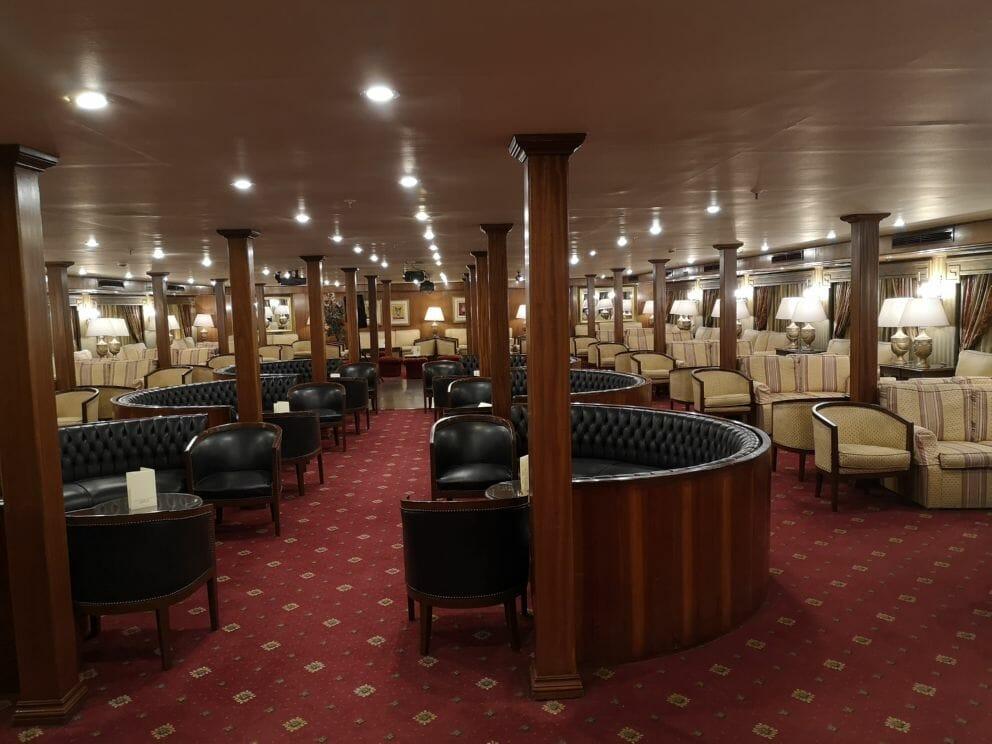 Bar auf dem Kreuzfahrtschiff