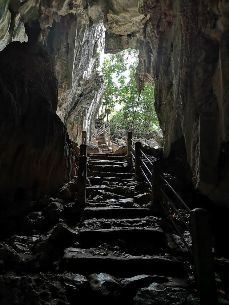 Phnom Chhngok Cave Tempel