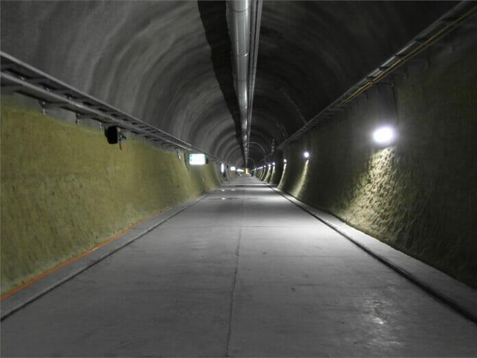Gotthard Basistunnel 2360